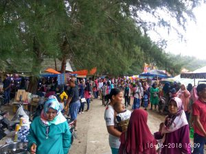 Ribuan Pengunjung Padati Kawasan Wisata Pasie Tiku