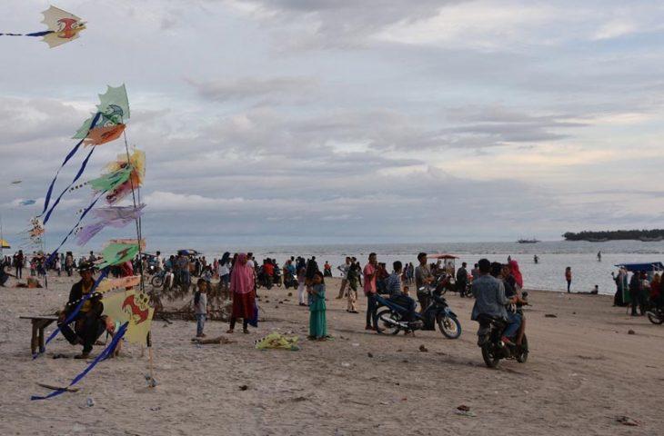 Pantai Tiku, Primadona Wisata Kabupaten Agam
