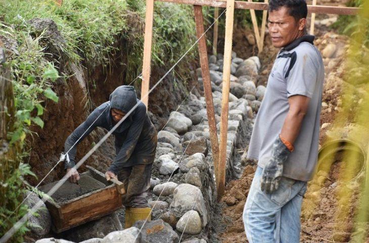 Pemkab Agam Rehabilitasi Aliran Batang Antokan