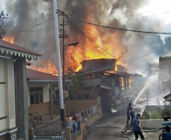Kebakaran di IV Koto, Tiga Rumah Hangus