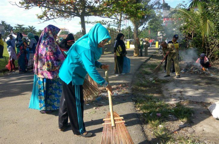 Tanjung Mutiara Bersih-Bersih Sambut HUT RI KE-73