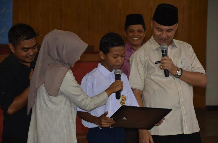 Wabup Agam Bacakan Soal Pertama Bintang Sains SMP