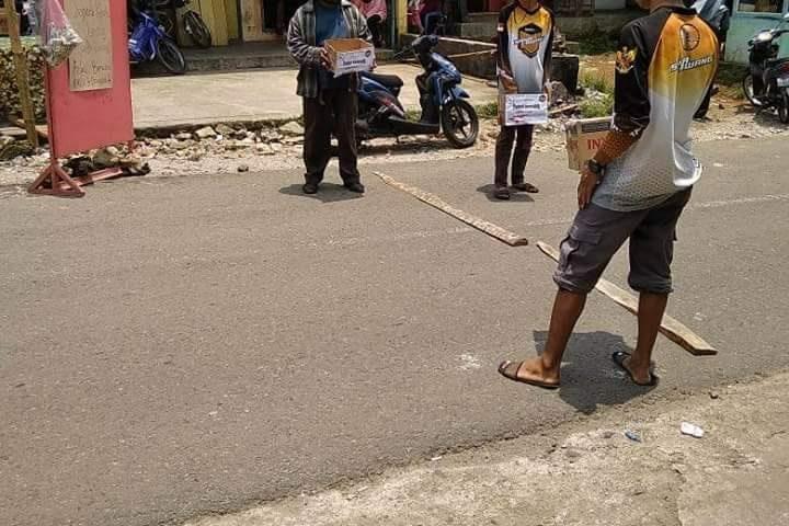 Warga Lawang-KSB-PMI GalangPeduli Gempa-Tsunami Palu