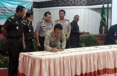 Bupati Agam Tandatangani Surat Perjanjian Kerjasama (PKS ) dengan APIP dan APH