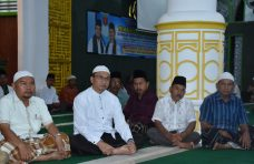 Ratusan Masyarakat Lubuk Basung Ikuti Malam Muhasabah di Masjid Agung Nurul Fallah