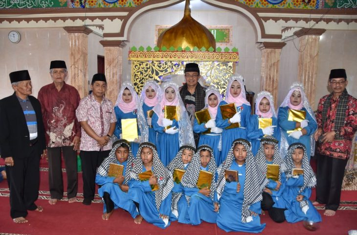 Tuntaskan Baca Tulis Al-Quran, 96 Santri di Baso Dikhatam