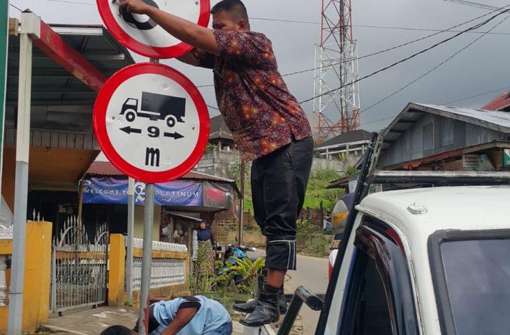 Kendaraan Bertonase 8 Ton Dilarang Lintasi Tiga Ruas Jalan di Agam