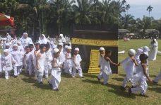 550 Anak TK di Palembayan Ikuti Peragaan Manasik Haji
