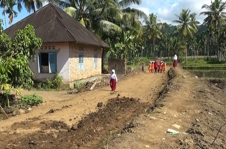 Pembukaan Jalan Baru di Parik Panjang, Masyarakat : Kami Senang dan Gembira
