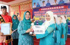 Ungguli 12 Kabupaten, Ketua Dasawisma Bougenville Raih Juara Terbaik I Sumbar