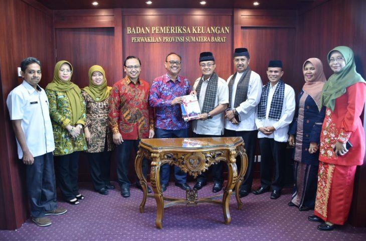 Agam Kabupaten Ke-3 di Sumbar Serahkan LKPD Tahun 2018 ke BPK
