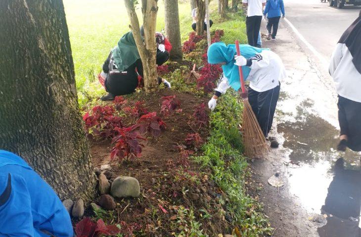 Peduli Lingkungan, Pegawai Kecamatan Ampek Angkek Goro Rutin