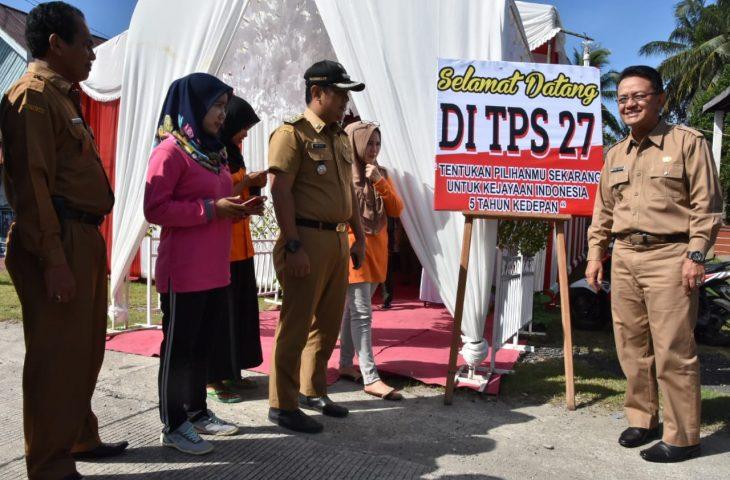 Bupati Monitoring TPS Unik di Tanjung Mutiara, Dihiasi Layaknya Pesta Pernikahan
