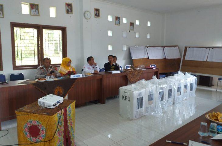 PPK Kecamatan Ampek Nagari Mulai Merekap Hasil Penghitungan Suara