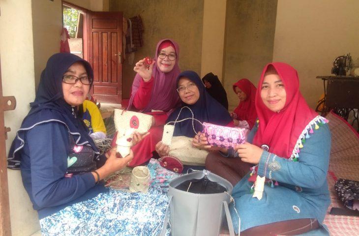 Selesai Pelatihan, IRT Rawan Ekonomi di Duo Koto Langsung Tunjukkan Produktivitas
