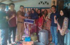 Camat Tanjung Mutiara Salurkan Bantuan Produksi Kepada Lima Kelompok UMKM