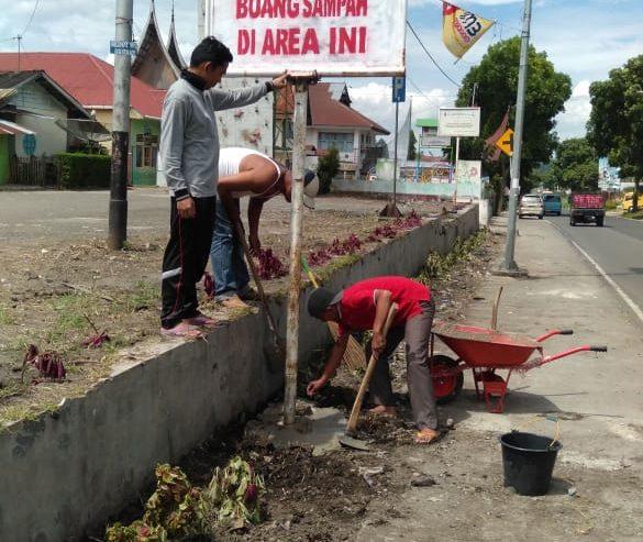 Sambut Ramadhan, Ratusan Masyarakat Baso Bersihkan Pasar