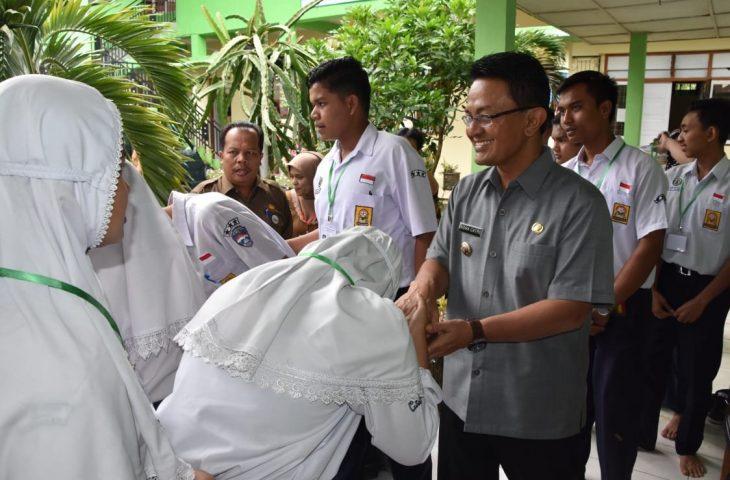 Perdana Secara Mandiri, UNBK di SMPN 1 Baso Lancar