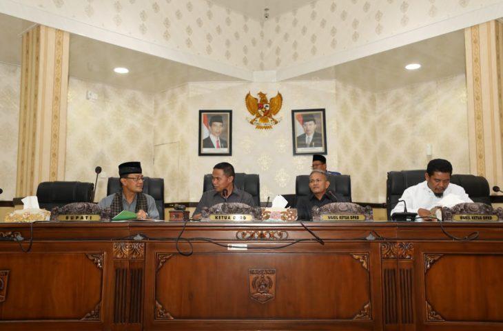 Bupati Agam Sampaikan Jawaban Atas Pandangan Umum Fraksi DPRD
