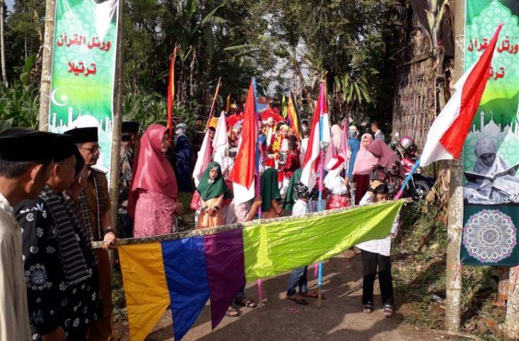 Puluhan Santri dan Satriwati MDTA Koto Baru Khatam Al-qur'an