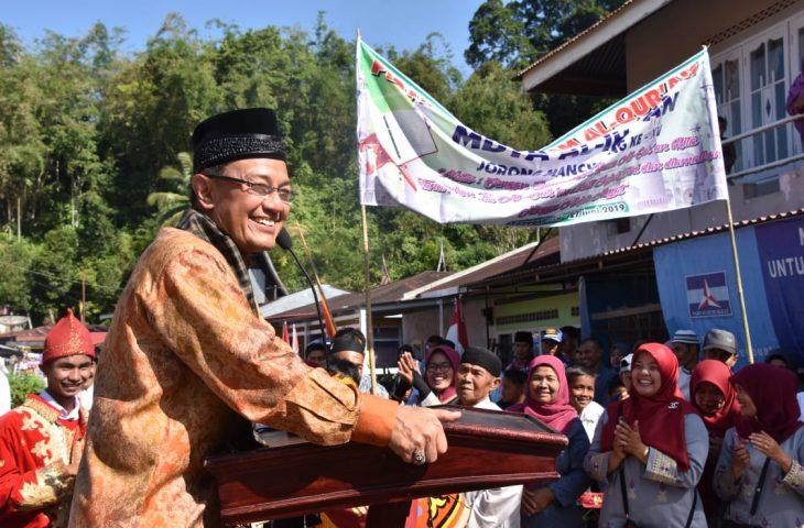 """74 Santri Khatam Al-Quran, Nagari Padang Tarok """"Baralek Gadang"""""""