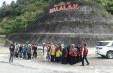 Pemerintah Kecamatan Malalak Gelar Aksi Bersih dan Tanam Pohon Mahoni di Jalur Simaka
