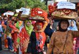 Meriahkan HUT ke-26 Ibukota Agam, Ratusan Bundo Kanduang Manjujuang Jamba