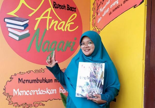 Dirikan Rumah Baca, Sry Eka Handayani Wakili Agam Lomba Perempuan Inspiratif Sumbar