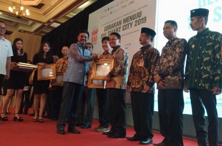 Manfaatkan siMAYA, Agam Raih E-Government Award Kementerian Kominfo RI