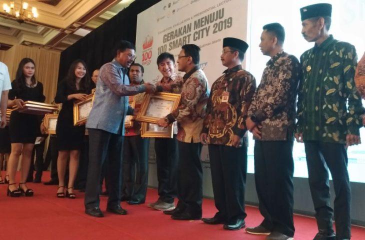 Raih E-Government Award, Indra Catri : Semoga Pelayanan Masyarakat Semakin Baik.