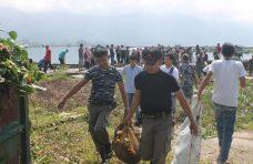 Ratusan Anggota Karang Taruna se-Sumbar Goro Massal di Danau Maninjau