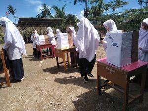Siswa SMPIT Al Madaniy Gelar Pemilihan Presiden dan Wapres BES