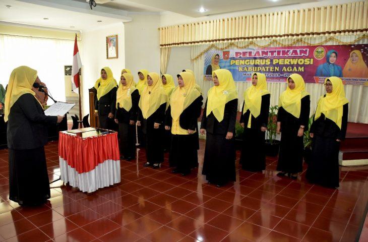 Pengurus Perwosi Agam Dilantik, Ny Candra Trinda Farhan Satria Jadi Ketua