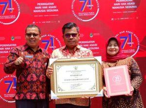 Agam Raih Penghargaan Kabupaten Peduli HAM 2019