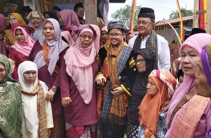 Indra Catri Hadiri Alek Batagak Pangulu Datuak Bandaro Suku Malayu Padang Tarok