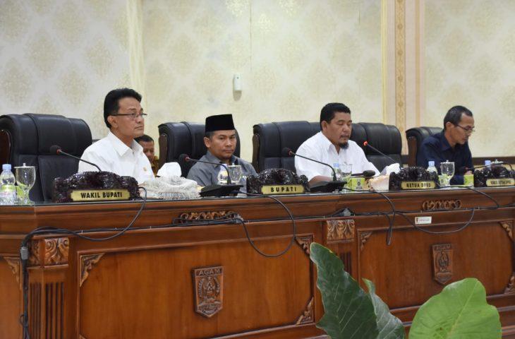 Indra Catri Tanggapi Pandangan Fraksi DPRD Agam Tentang Ranperda Tuntutan Ganti Kerugian Daerah