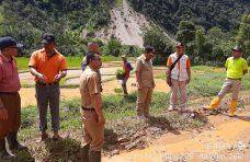 Pemkab Agam Bersihkan Material Banjir Bandang di Sungai Dareh