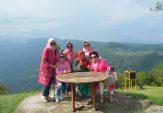 Kelompok Arisan Padusi Ranah Minang Berwisata ke Agam