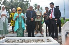 PT. Imza Rizky Jaya Prioritaskan Pasang PJU TS di Jalan Masuk TMP Siti Manggopoh