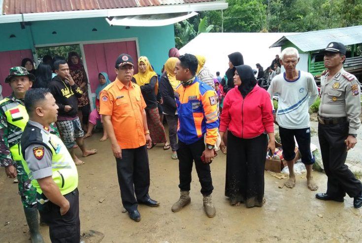 Pasca Banjir dan Longsor di IV Koto, BPBD Bersama Pihak Terkait Gotong Royong