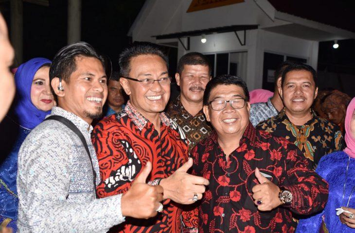 Hadiri HUT IKMR ke-50, Indra Catri Disambut Hangat Perantau Riau