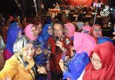 Bernostalgia dengan Perantau Minang Riau, Indra Catri Nyanyikan Tembang Kenangan