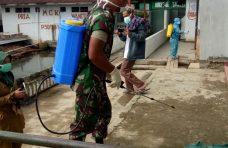 Nagari Pakan Sinayan Laksanakan Aksi Bersih dan Penyemprotan Disinfektan di Masjid