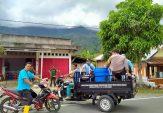 Tim Kampung Siaga Covid-19 Duo Koto Semprot Disinfektan di Fasum