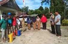 Nagari Garagahan Semprot Disinfektan ke Rumah Warga dan Tempat Keramaian