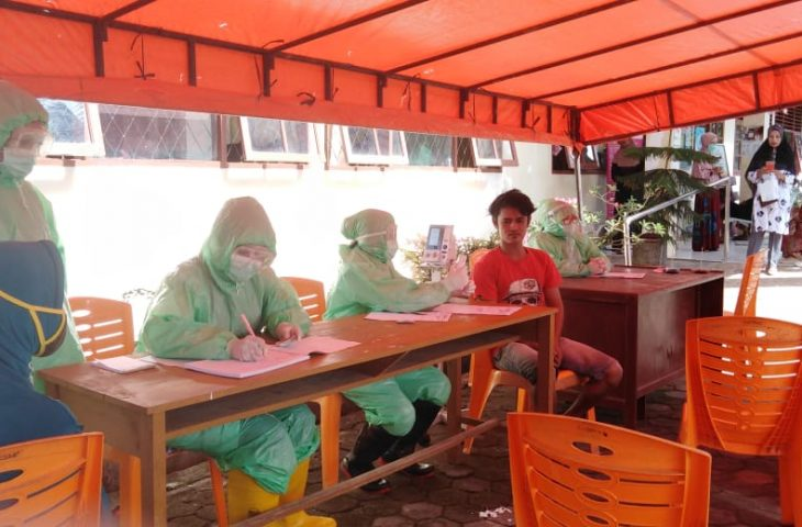 Puskesmas Manggopoh Terapkan Social Distancing, Pelayanan Dilaksanakan di Tempat Terbuka