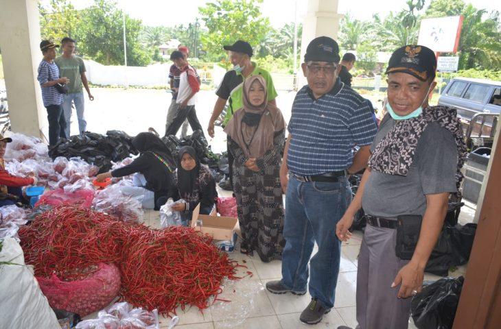 Monitoring Pendistribusian Sembako, Rahman: Pemkab Agam Selalu Ada untuk Masyarakat