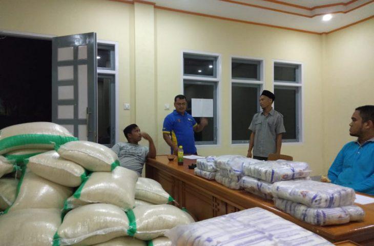 Nagari Gaduik Distribusikan Bantuan Untuk Warga