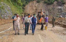Nasrul Abit-Indra Catri Tinjau Lokasi Longsor Malalak