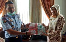 Antisipasi Penyebaran Covid-19, DPMPTSP-Naker Agam Distribusikan Masker ke Lapas Klas IIB Lubuk Basung